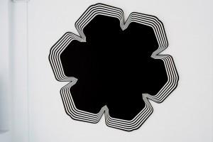 Philippe DECRAUZAT, « Woodstock über alles », 2003, acrylique sur toile, diamètre 225 cm