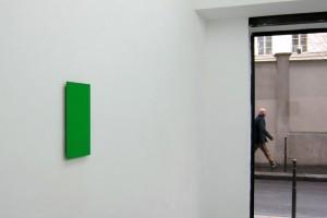 Sans titre, 2012, pigment, résine damar sur bois, 35,5 x 17 cm – exposition « territorium n°18 », la vitrine / galerie jean brolly, 2012