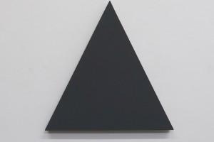 Triangle Painting – 2015, acrylique sur toile, 54 x 54 cm
