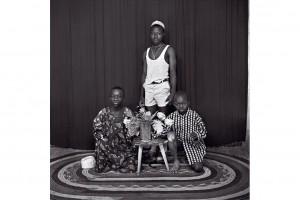 « Bouaké #52 », 1968, photographie noir et blanc sur papier baryté, 30 x 30 cm