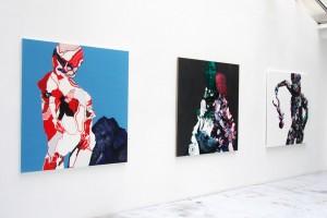 « Personnage avec éléphant (fond bleu) », 154 x 147 cm ; « 2 personnages à la tête de vache (bleue) », 154 x 147 cm, « Le massacre des innocents », 150 x 150 cm – 2006, peinture acrylique et huile sur toile