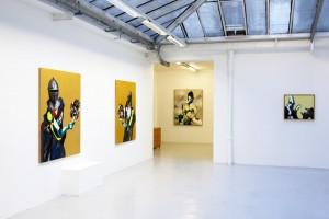 « Chevalier avec un moteur », 2008, huile, acrylique et feuille d'or sur bois, 155 x 122 ; « Europe (fond gris) », 2008, huile et acrylique sur toile, 120 x 150 cm