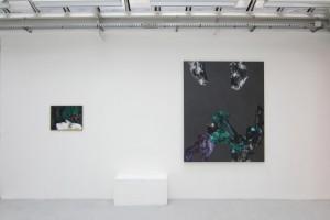 Sans titre, 2011, acrylique, huile et feuille d'or sur dibond ; « Europa, Europa 2 », 2011, acrylique sur toile, 189 x 152 cm