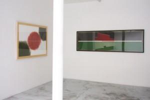 « Drawing for an unknow Wall #7 », 1999, pastel sur papier, 108 x 150 cm et « Wall Lines #17 », 2007, pastel et graphite sur papier, 75 x 245 cm