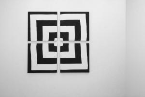 « Auto-reverse », 2009, acrylique sur tissu, 4 (80 x 80 cm)