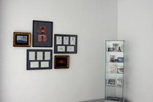 « marie-ève ou la naissance de vénus », 1992, 2 photographies couleur encadrées – 17,5 x 24 cm ; « soulagements d'artémis », 2008 et « mind the volcano / what volcano » – 2 cadres de 5 dessins à l'encre sur papier, 50 x 65 cm