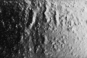 « gouttes d'eau, grande #5 », 2002, photogramme noir et blanc, argentique, 100 x 200 cm