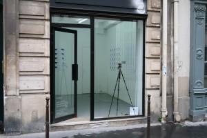 vidéo (écran vitrine 10 x 7 cm, boucle de 6') et dessins (5 x 25 dessins)