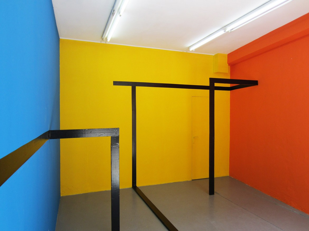 installation in situ  for orange, yellow and blue 