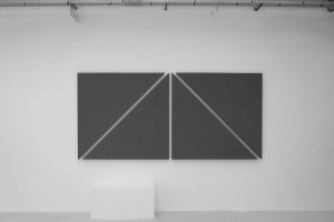 « diagonale painting in 4 parts », 2012, acrylique sur toile, 135 x 288,5 cm
