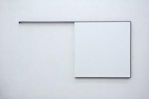 « Steel Life n°51 », 1991, acrylique sur toile sur bois et fer plat, 142 x 282 cm (tableau 140 x 140 cm)