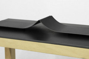 Riff #1 (sculpture-maquette), 2018, acier, 22 x 42 x 4 cm