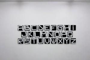« Alphabet », 2003, acrylique sur tissu, 20 x 20 cm