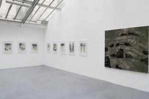 Sans titre, 2015, gouache et encre sur papier japon, 65 x 49 cm / Sans titre, 2015, acrylique sur lin, 165 x 180 cm