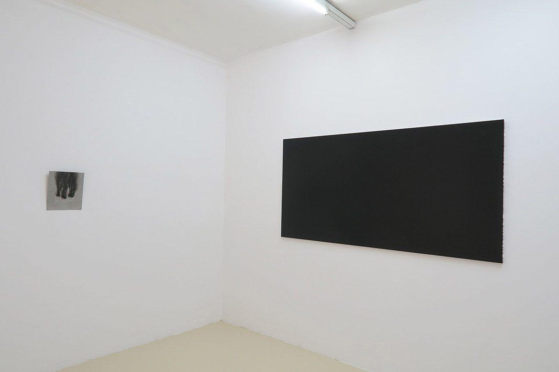 Peinture noire #20, 2000, acrylique sur toile, 100 x 200 cm