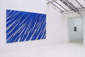 Terre anonyme (histoire de bleu) - 2018 Pigments naturels sur toile - 240 x 360 cm