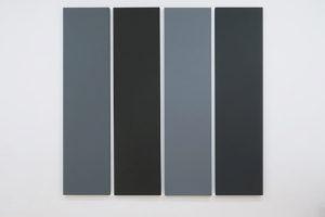 Painting in Different Greys, 1990, acrylique sur toile, 216 x 54 cm – total: 216 x 229,5 cm