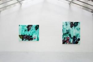 « Europe (fatiguée) », 2011, huile, acrylique et cheveux sur toile, 135 x 172,5 cm ; « Europa, Europa 1 », 2011, huile, acrylique et cheveux sur toile, 189 x 152 cm