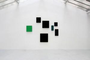 « territorium n°18 », pigment, résine damar sur bois – exposition éponyme, galerie jean brolly, 2012