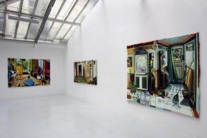 « La danse jaune », 2011, huile sur toile, 162 x 238 cm ; « Où sommes-nous ? », 2010, huile sur toile, 116 x 245 cm ; « Caducée vaudou », 2011, huile sur toile, 195 x 238 cm