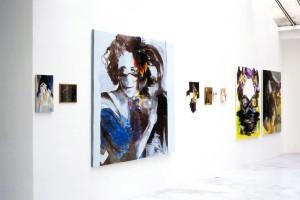 « Cascade », 2003, huile sur toile, 46 x 27 cm / « Carte à gratter », 2003, huile sur toile, 25 x 31 cm / « Magritte », 2004, huile sur toile, 190 x 200 cm / « Fontaine », 2003, huile sur toile, 60 x 30 cm / « Grandes allumettes », 2004, huile sur toile, 35 x 30 cm / « Petites allumettes », 2003, huile sur toile, 21 x 15 cm / « Fraises écrasées », 2003, huile sur toile, 30 x 22 cm / « Visage », 2004, huile sur toile, 162 x 130 cm / « A A Bridge », 2004, huile sur toile, 162 x 130 cm