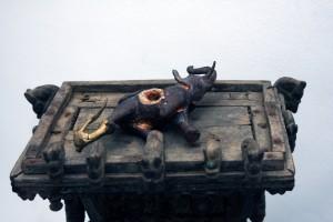 « Autel des parfums », 2005, bois (Rajastan 19e, métal et bronze