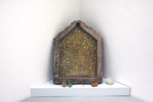 « A partir de sépia coloré », 2007, aquarelle pure dans un autel en pierre polychrome (Rajastan 19e)