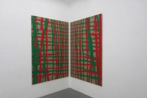 « En regardant la marque au milieu, peint main droite et gauche simultanément », peinture vinylique sur toile – 2 toiles 200 x 135 cm chacune