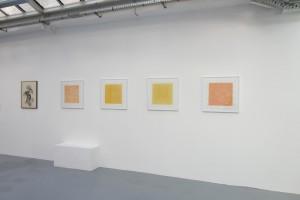 « Calcination », 1962, encre sur papier, 65 x 51 cm / « Eloge du Jaune de Naples », 2013, acrylique et crayon sur toile – 50 x 50 cm