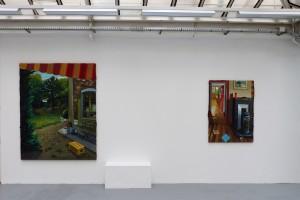 « R.A.S. », 2013, huile sur toile, 200 x 160 cm et « Poisson vert », 2013, huile sur toile, 130 x 97 cm