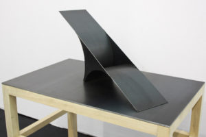 Gouffre (sculpture-maquette), 2018, acier 45 x 70 x 30 cm