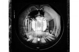 PHILIPPE GRONON : Projecteur n°4, PC Julia 1000 W, Opéra Garnier, Paris – 2014 – Photographie analogique noir et blanc, épreuve numérique pigmentaire – 47x47cm