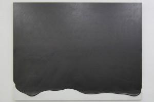 TAKESADA MATSUTANI : Une ligne – 1997 – Graphite sur papier marouflé sur toile, relief vinylique et contreplaqué – 122 x 160 cm