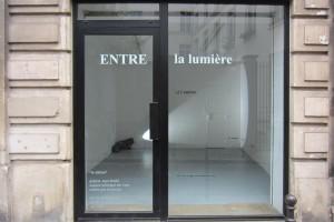 Isabelle Lartault et Michel Verjux – L'Exposition – La vitrine C/O galerie Jean Brolly