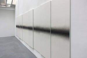 sans titre (polyptyque), 2015 – mine graphite sur papier marouflé sur bois – 10 (185 x 70 cm)