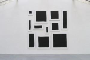 Bloc, 2015, acrylique sur tissu, 11 toiles – total : 290 x 300 cm