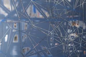 Scratch #0210, 2010, acrylique sur PMMA miroir, 96 x 120 x 5 cm
