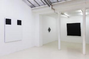 Modèle, 2017 / Les pointes, 2017 / Carré maximum, 2017, acrylique sur tissu, 160 x 160 cm – © Jean Nicoué