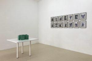 QUENTIN LEFRANC > Action Office – 2020 (maquette) PPMA peint – 90 x 90 x 21 cm / Paul Nicoué > Portraits